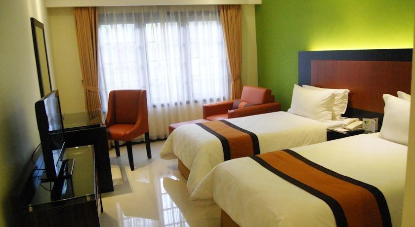 Yogyakarta Plaza Hotel Yogyakarta - Kamar tamu