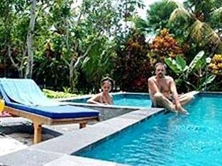 Agung Trisna Bungalow Bali - Swimming Pool