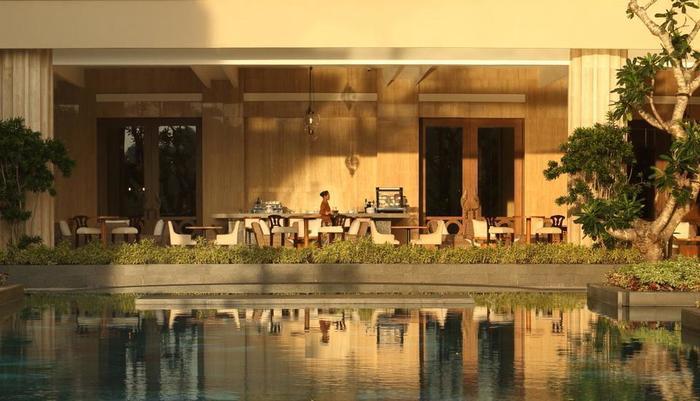 Hotel Tentrem Yogyakarta - Pool Bar