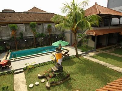 Amazing Kuta Hotel Bali - Swimming Pool